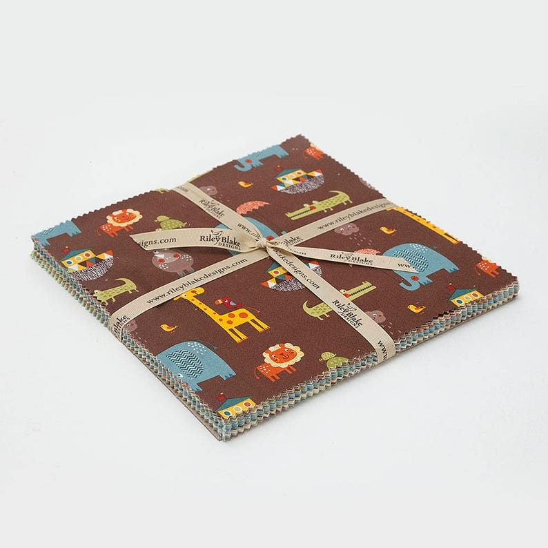 by Riley Blake 42 ~ 10 Squares Giraffe Crossing 2 Layer Cake 10-6150-42