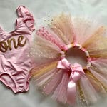 First Birthday Outfit in Pink and Gold Glitter, Polka Dots, Glitter Confetti, Pink Leotard One,  1st Birthday Tutu, Smash Cake Outfit