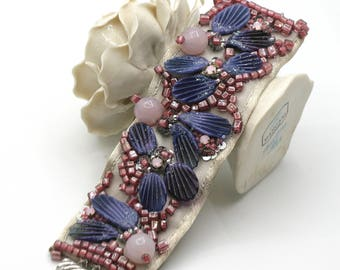 Cuff bracelet with lampwork glass Fleur