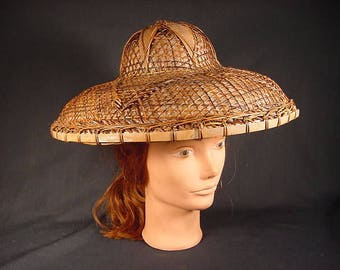 1b3426c9e Coolie Vietnam Farmers Hat * Vintage Old Collectible * Asian Chinese *  Wicker Grass Rice Paddy Sun Hat * Souvenir