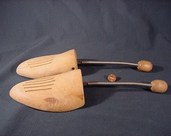 Vintage Pair of Formwell Wood and Metal Shoe Strechers made in Germany Vintage Wood Shoe Form with Spring W Germany Large 20