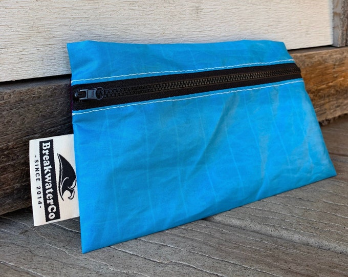Featured listing image: Zipper Bag made from Recycled Sailcloth
