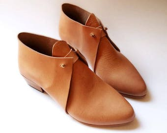 The Meghan. Undyed. 3cm. Handmade Boots. Comfort Shoes. Soft Shoes.