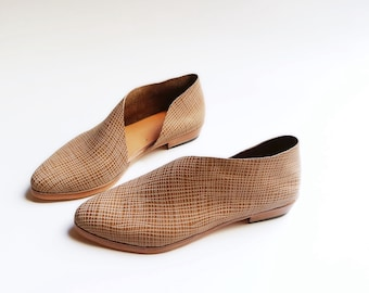 The Sandy. Linen. Handmade Flats. Modern Flats. Beige Linen Embossed Leather shoes.