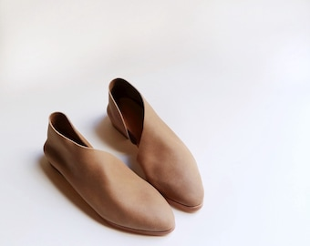 The Sandy. Hazelnut. Handmade Flats. Modern Flats. Leather shoes.