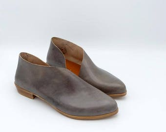 The Sandy. Tamponato Grey. Handmade Flats. Modern Flats. Leather shoes.