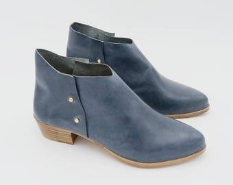 The Danthu. Lukent Lux Blue. 3cm. Handmade Boots. Comfort Shoes. Soft Shoes.