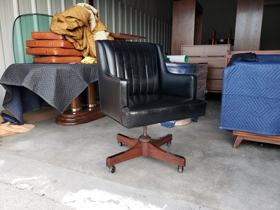 Surprising Vintage 1960S Alma Desk Chair Mid Century Modern Black Naugahyde Heavy Walnut Base Very Comfortable Excellent Quality Mcm Ocoug Best Dining Table And Chair Ideas Images Ocougorg