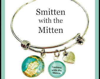 Smitten With the Mitten Charm Bracelet