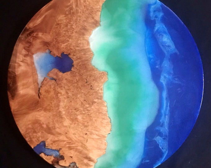 Wood and resin earth