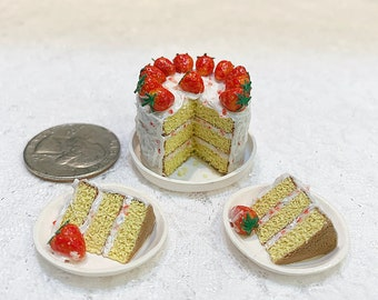 1:6 Scale Strawberry Cake Barbie Miniature