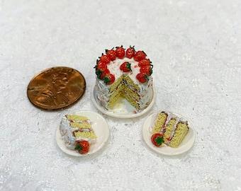 1:12 Scale Miniature Strawberry Cake