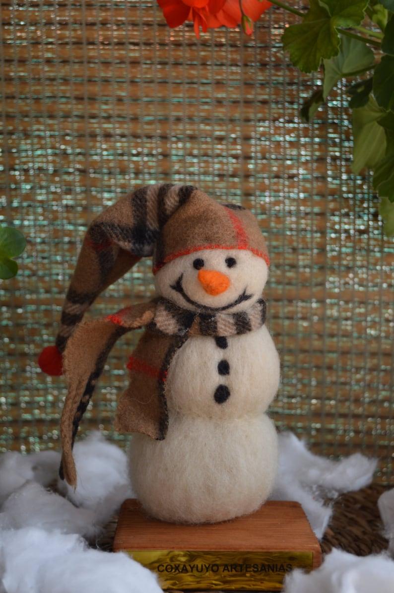 Christmas decoration handmade Felted snowman sheep wool needle felting