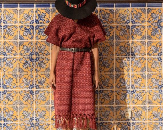 Bufanda, poncho, vestido flecos, *REBOZO 3 en 1*  chal de boda, pashmina Boho, bermellon. Boho scarf, poncho mexicano, wedding shawl vintage