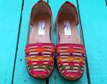 woman sandals * HUARACHES * rainbow moccasins, size 37.5,38,38 1/2, natural leather / textile, vintage sandals, bohemian sandals,handmade