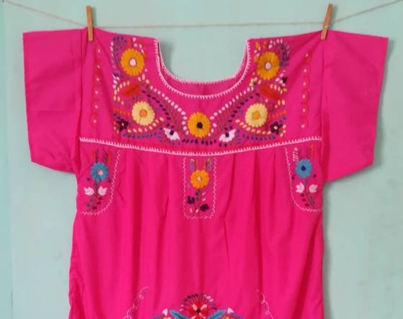 Mexican dress * CHILAC * purple t. S embroidered by hand