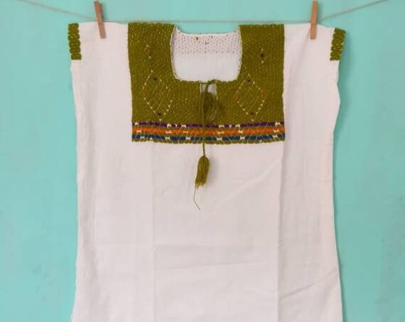 Type blouse hand embroidered huipil *MAYA* T.M