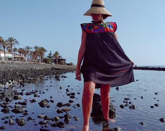 black dress / tunic *CHIAPAS *, one size, embroidered bib, bohemian style, vintage tunic, ethnic fashion, mexican beach dress