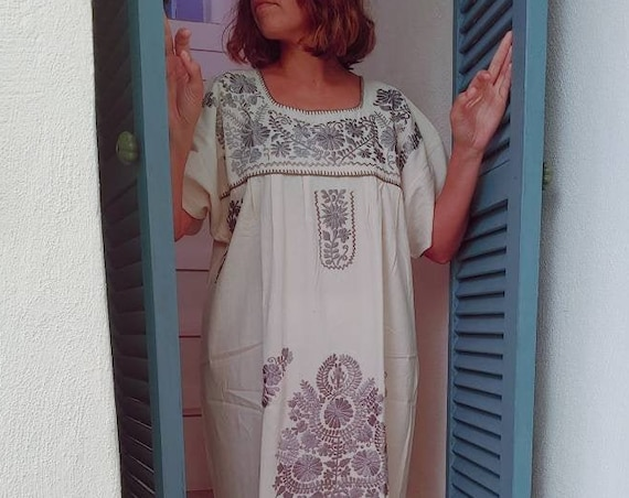 Mexican dress * FRIDA * Silver, size L, monochrome handmade embroidery, bohemian-vintage style, rustic cotton, flowers, beach dress