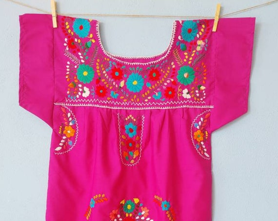 Mexican dress * CHILAC * magenta, size S-M, hand embroidery, bohemian style, vintage Mexican dress, spring-summer, flower beach dress