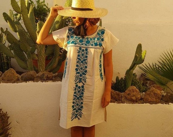 Mexican dress * TEHUACAN * blue, one size S-M, monochrome hand embroidery, bohemian-vintage style, rustic cotton, floral beach dress