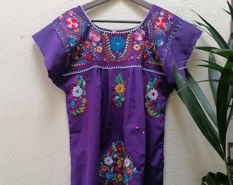 Mexican dress * CHILAC * PURPLE, size S-M, hand embroidery, bohemian style, vintage Mexican dress, spring-summer, flower beach dress