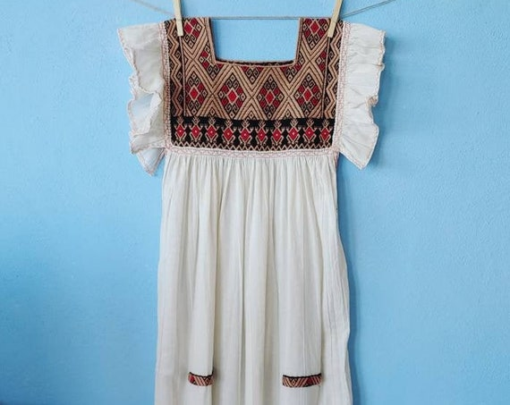 Ruffled dress * SAN ANDRÉS * size S-M, natural color, cotton, bohemian style, vintage, hand embroidery, ethnic motifs, beach tunic