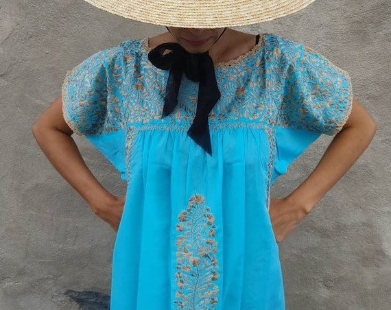 Mexican hand embroidered dress * SAN ANTONINO *aqua / gold, Size M, pre-breast, holiday dress, beach wedding, bohohemian-chic dress