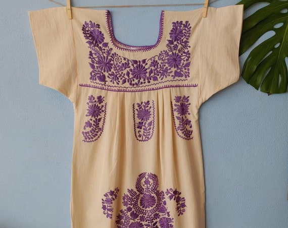 Mexican dress * FRIDA * lavender, size XS-S, monochrome handmade embroidery, bohemian-vintage style, rustic cotton, flowers, beach dress