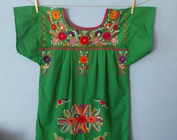 Floral Mexican Dress. CHILAC. embroidered dress. Bohemian Style Dress. Robe dress. Floral Artisan Dress. Green Mexican Dress . size L-XL.