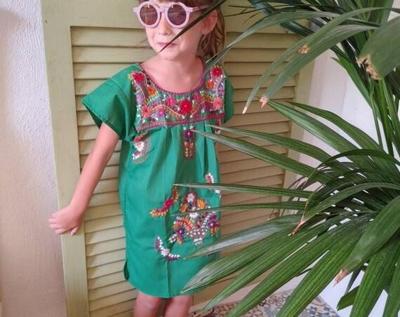 Mexican girl dress * CHILAC * Lilac / Blue dress size 4-5 years, hand embroidered dress, summer girl dress, vintage dress, flower dress