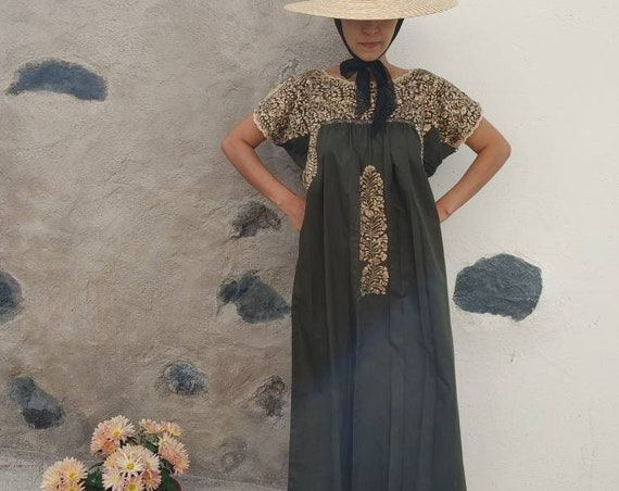 Mexican hand embroidered dress * SAN ANTONINO * khaki / gold, Size M, pre-breast, holiday dress, beach wedding, bohohemian-chic dress