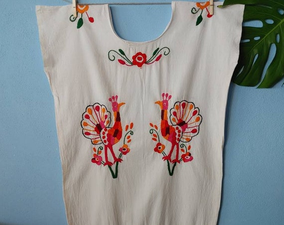 Huipil, beach dress * HUAUTLA * hand embroidered, one size, peacock and flowers, bohemian style, beachwear, ethnic clothing, hippie style