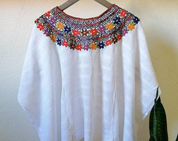 Beach poncho, Huipil * COBANERO ROCOCO * beach kaftan, white, one size, beach sarong, summer poncho, hand embroidery, bohemian style