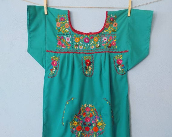 Mexican girl dress * CHILAC * turquise dress size 10 years old, hand embroidered dress, summer girl dress, vintage dress, flower dress