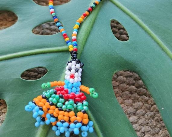 Mexican Huichol art * MUÑECA HUICHOL * bead pendant, beads, ethnic jewelry, folk style, vintage jewelry, artisan necklace