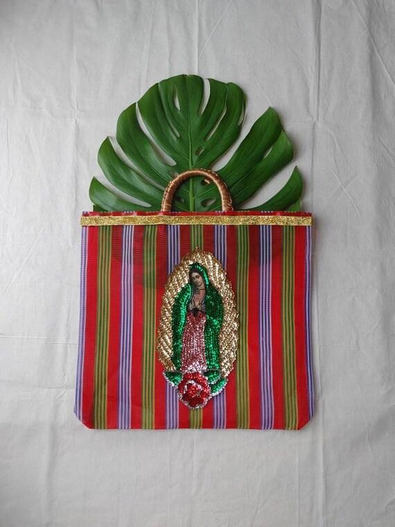 beach shopper bag *bolso VIRGEN DE GUADALUPE* lentejuelas, paillettes rayas arcoiris, rainbow striped, plastic bag, plástico plástico compra