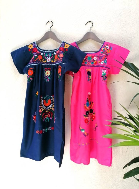 Mexican dress * CHILAC * PINK YELLOW t. 4 años embroidered by hand
