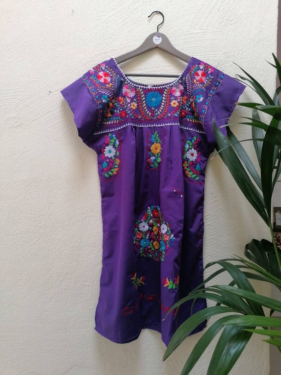 Mexican dress * CHILAC * marino t. S embroidered by hand