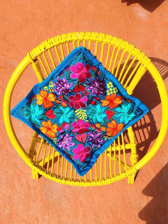 cushion cover * SAN CRISTOBAL * decorative cover, bohemian style, embroidered flowers, handmade cushion, Mexican decoration, Mexican cushion