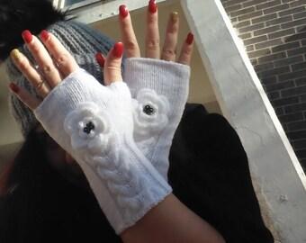 Cable knit gloves, Knitted White Fingerless Gloves , crochet Rose Flower, white mittens,Wrist Warmers,Valentines Day gift , Wedding Gloves