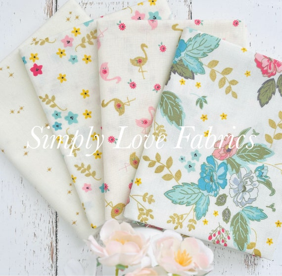 Stardust- Fat Quarter Bundle (4 Fabrics Cream) by Beverly McCullough for Riley Blake Designs