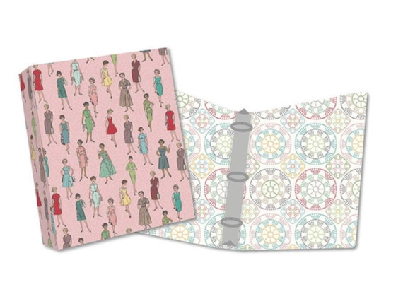 "Stitch Bee Keeper Binder- Lori Holt- (12.25"" x 11.5"" x 2.75"" with 2"" Rings- ST-17850) Riley Blake Designs"