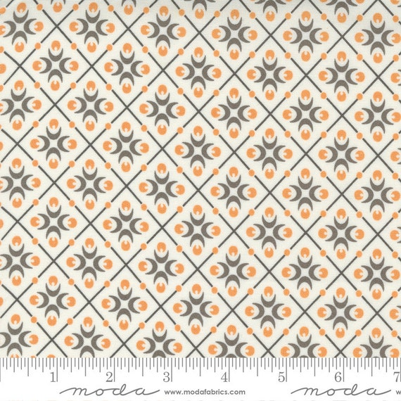 Pumpkins and Blossoms- 1/2 Yard Increments, Cut Continuously  (20423 11 Harlequin - Vanilla Pebble) by Fig Tree & Co. for Moda