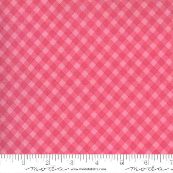 Spring Chicken- 1/2 Yard Increments, Cut Continuously (55523 12 Gingham Pink)  by Sweetwater for Moda