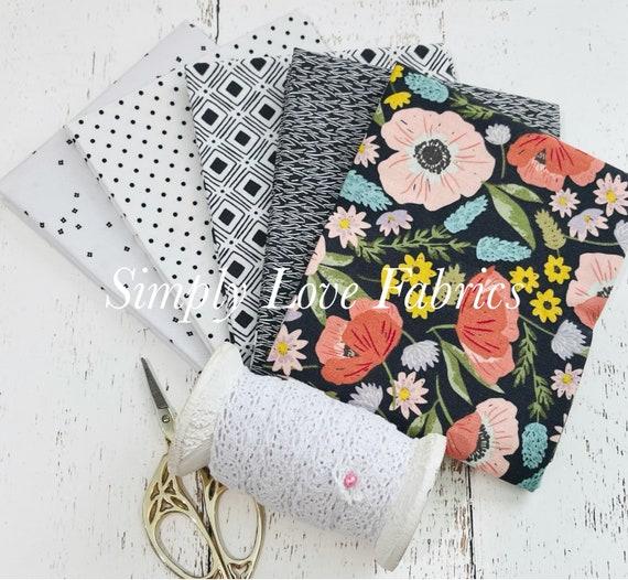 Tea with Bea- Fat Quarter Bundle (5 Fabrics black) by Katherine Lenius for Riley Blake Designs