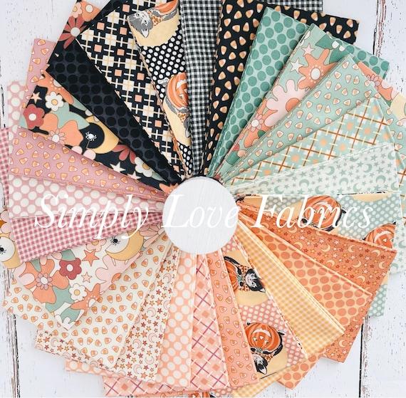 Kitty corn- Fat Quarter Bundle (31170AB- 26 Fabrics INCLUDES Panel) by Urban Chiks for Moda