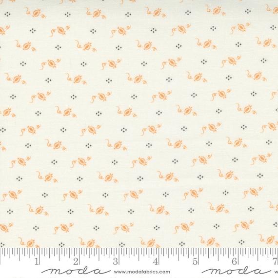 Pumpkins and Blossoms- 1/2 Yard Increments, Cut Continuously  (20427 11 Cinderella Pumpkins - Vanilla Pumpkin) by Fig Tree & Co. for Moda