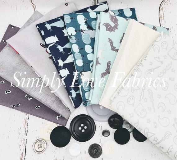 Spooky Hollow- Fat Quarter Bundle (8 Fabrics Cream/Gray) by Riley Blake Designs
