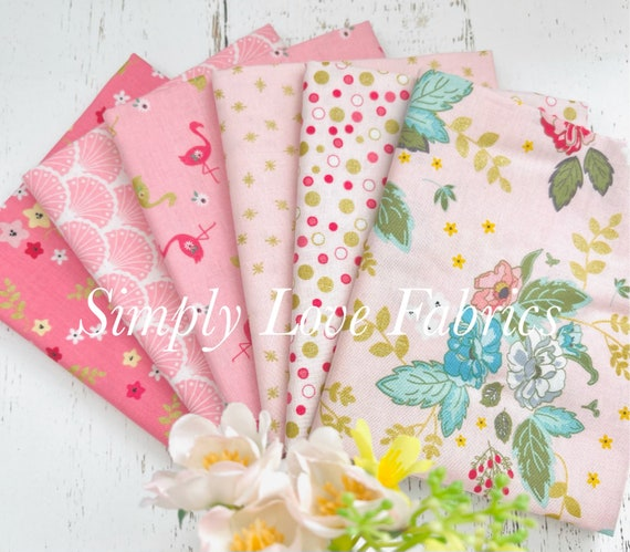 Stardust- Fat Quarter Bundle (6 Fabrics Pink) by Beverly McCullough for Riley Blake Designs